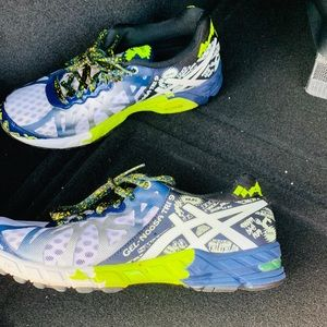 ASICS gel noosa tri 9 like new worn 2 times